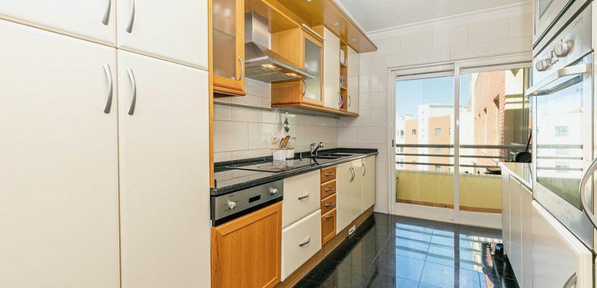 דירת 2 חדרים וסלון למכירה בשכונת Parque das Nações/ Expo